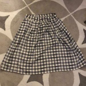 Black and white plaid skirt with pockets